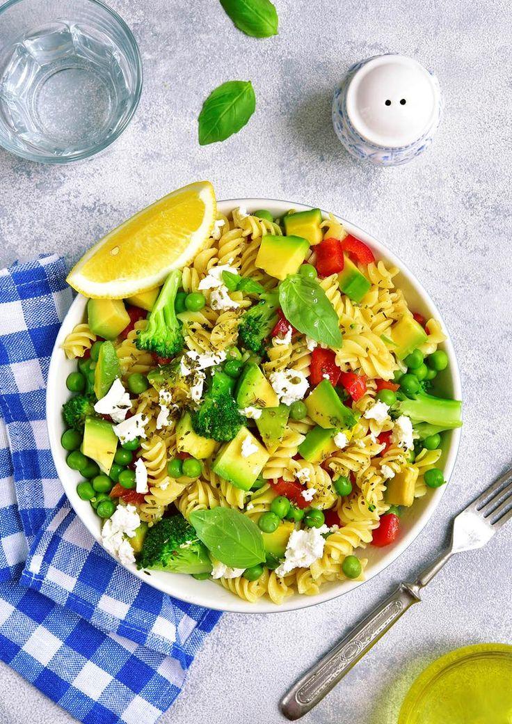 Pasta trenger ikke bare være tomme kalorier. Med få grep kan du enkelt gjøre pastamiddagen sunnere! Oppskrift på sunne pastaretter.