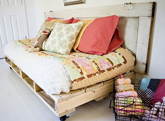 pallet daybed, full tutorial here: http://prudentbaby.com/2011/07/how-to-build-pallet-daybed.html
