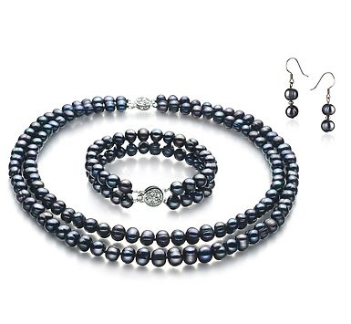 Beautiful Necklaces In The Form Of Akoya Pearls