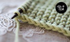 Wie eine schöne Randmasche zu machen.  Am Anfang der Reihe, halten Sie den Faden vor (statt in den Rücken, als wäre es in der Regel).  Legen Sie die Nadel in die Rückseite des ersten Stich (knitwise) und schieben Sie sie (ohne es zu stricken).  Setzen Sie Ihre Zeile wie gewohnt stricken.  Der letzte Stich wird normalerweise gestrickt.  Nur der erste Stich wird anders behandelt.  Sie können diese Technik für Stämmigkeit oder Strumpfband verwenden .: