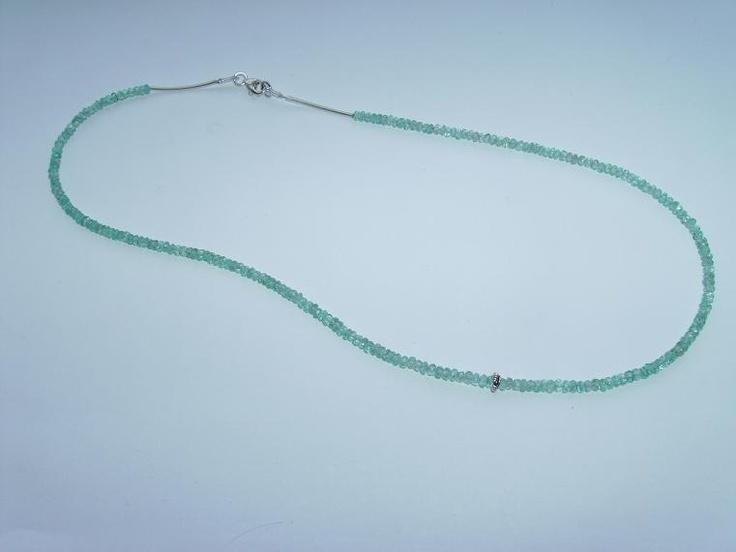 apatit necklace
