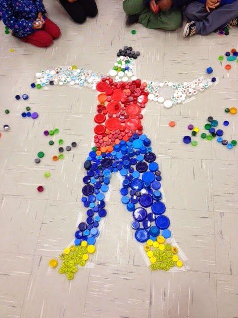 Roda de Infância: Montando uma figura humana com tampinhas