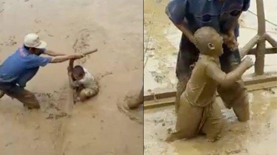 Video Lucu Anak Kecil Main Selancar di Sawah Saat Petani Membajak Ini Mendadak Viral