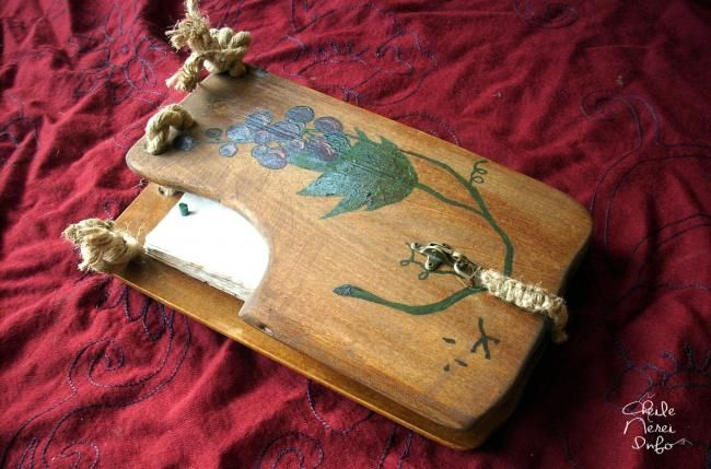 "Wooden book (Carte cu coperti de lemn ) ""Rustic""  R005  http://cheilenereinfo.ro/discussion/396/carte-cu-coperti-de-lemn-model-rustic-r005/p1"