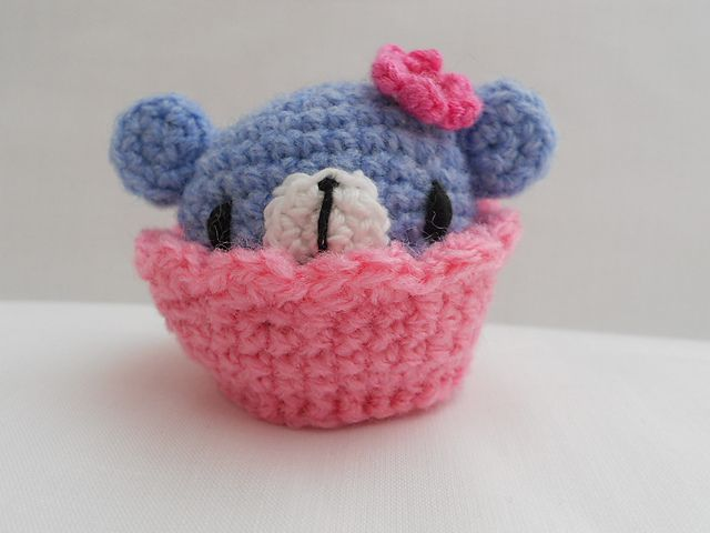 Amigurumi Bebekte Saç Yapımı : Free amigurumi crochet patterns cupcake crochet cupcake pin cushion