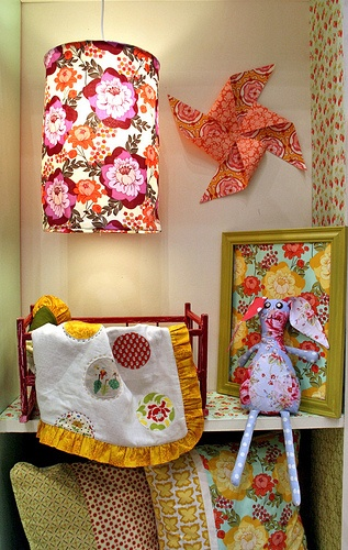 Love the fabric covered light and pinwheel: Girls Sleep, Pequenos Grandes, Ratan Booths, Fabric Covered, Sleep Solo, Grandes Detalhes, Covers Lights, Fabrics Covers
