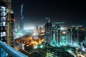 Otroci v Dubaji. Luxusné sídla stavajú skoro zadarmo (video) | spravy.HNonline.sk - Svet