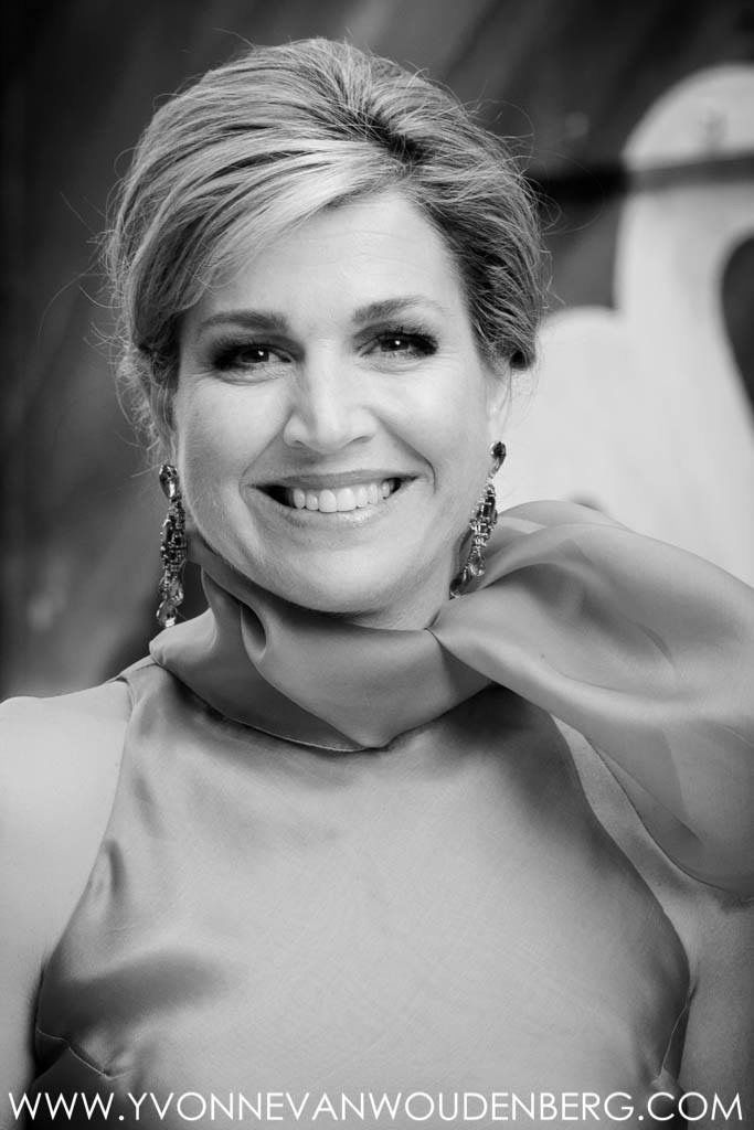 perfect black white with her smile beauty  ) :