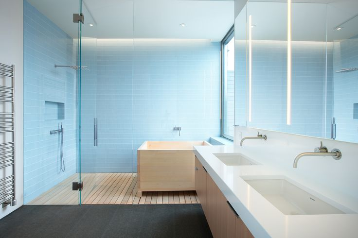 Our Tatami glass tile in a gorgeous bathroom. Photo: Ema Peter http://www.emapeter.com/