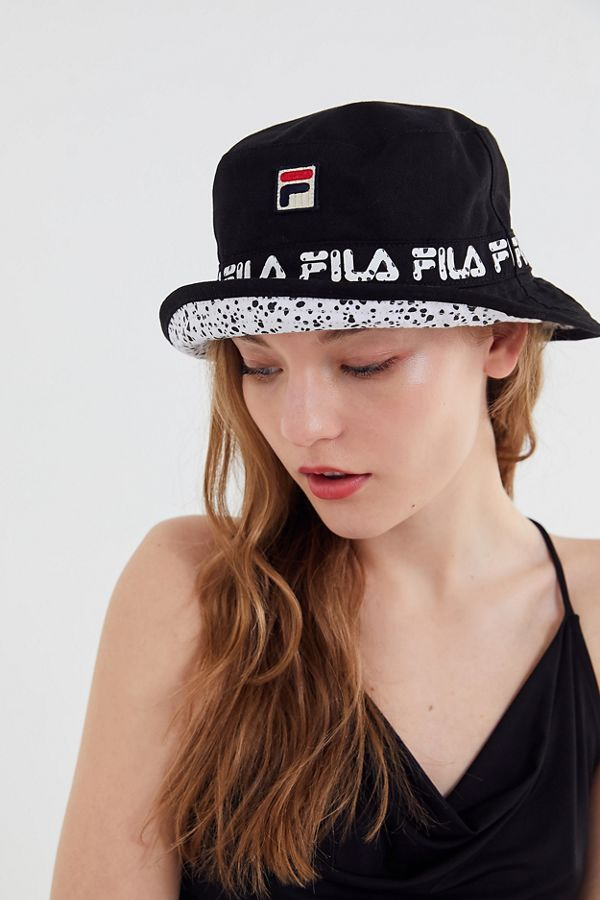 1e8b0865645179 FILA X Disney Villains UO Exclusive Reversible Bucket Hat in 2019    Accessorize   Disney villains, Bucket hat outfit, Outfits with hats