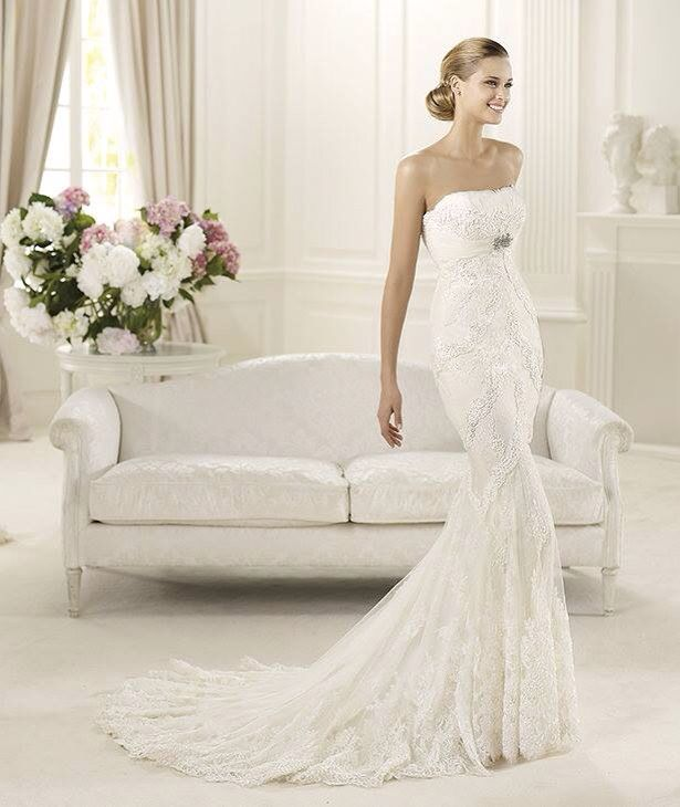 Dietrich esküvői ruha http://lamariee.hu/eskuvoi-ruha/pronovias-2015/dietrich