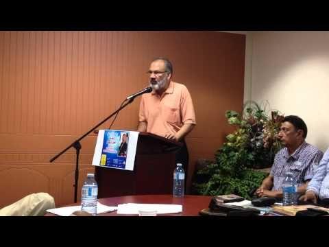 AfzalRaaz reading poem in Urdu