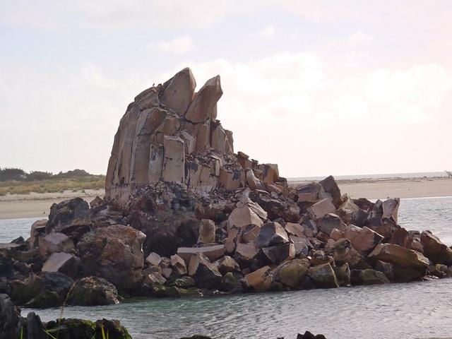 AFTER the quake: Shag Rock to Shag Pile