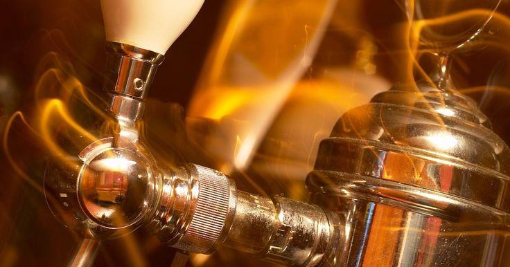¿Qué se necesita para formar un sistema de cerveza de barril?. Un sistema para hacer cerveza tirada o de barril desde casa es necesario y tiene sentido practico para el aficionado de la cerveza. El barril de cerveza es más fresco y se preserva mejor sin químicos agregados, a menos de la mitad del precio. Mientras se hace esta publicación un sistema comercial para un solo barril de cerveza puede costar entre ...