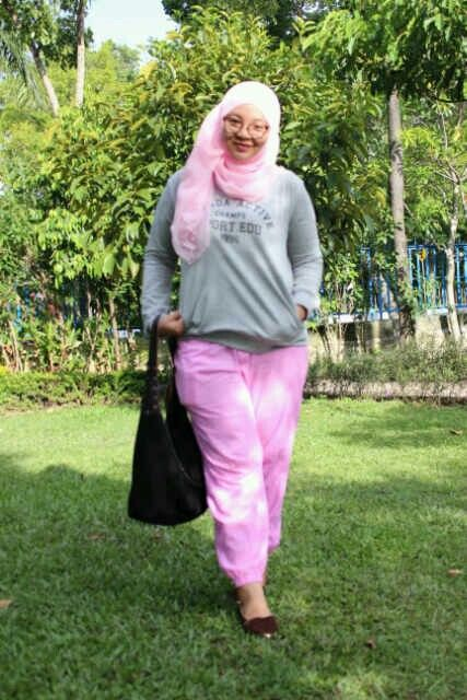 sporty look with pink and grey