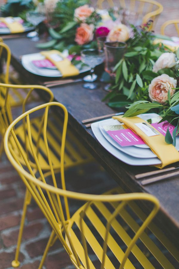 a pop of bright, photo by Two Foxes Photography, styling by E Events Co http://ruffledblog.com/tropical-july-4th-styled-wedding #weddingideas #receptions