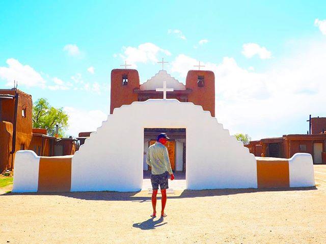 なんか天国への入り口みたい⛪️👼 「サン・ジェロニモ教会」 #過去pic #世界遺産 #Taos #taospueblo #pueblo #newmexico #nativeamerican #indian #adobe #church #教会 #アドビ #タオス #タオスプエブロ #プエブロ #ニューメキシコ  #アメリカ #世界文化遺産 #Route66  #route66横断 #america #trip #roadtrip #アメリカ旅 #ルート66横断  #taptrip #travelgram #写真好きな人と繋がりたい #ファインダー越しの私の世界 by kentaganhando. taospueblo #trip #ファインダー越しの私の世界 #adobe #america #taptrip #世界文化遺産 #世界遺産 #タオスプエブロ #アメリカ旅 #写真好きな人と繋がりたい #church #nativeamerican #route66 #indian #ルート66横断 #タオス #アドビ #taos #pueblo #ニューメキシコ…