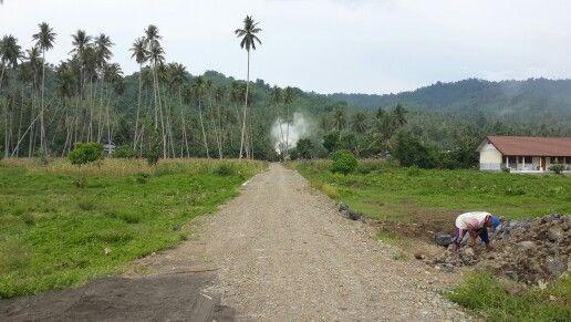 Perkerasan Jalan di Desa Paslaten Satu Kecamatan Tatapaan.