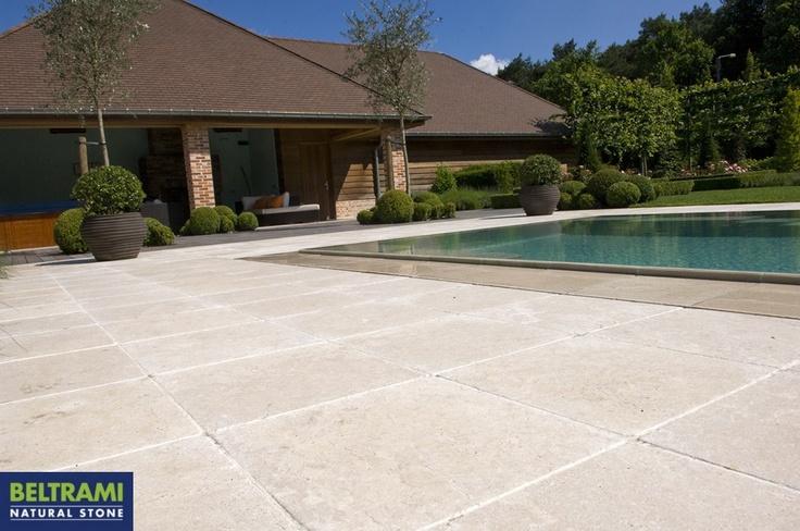 Beltrami natuursteen natural stone simyra pool zwembad terras terrace natuursteen voor - Terras teak zwembad ...