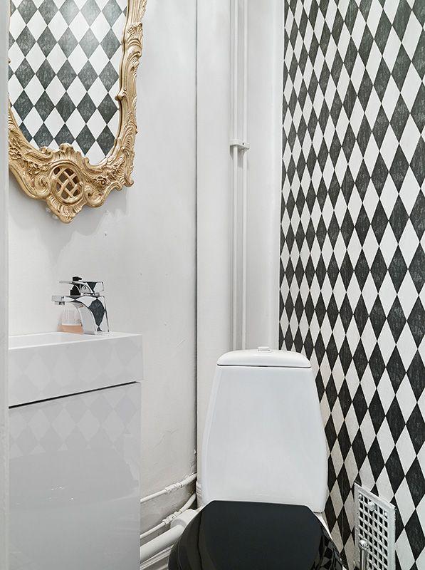 La Suède toujours et encore… - PLANETE DECO a homes world Detalhe: o papel de parede (?) também é 'emoldurado'!