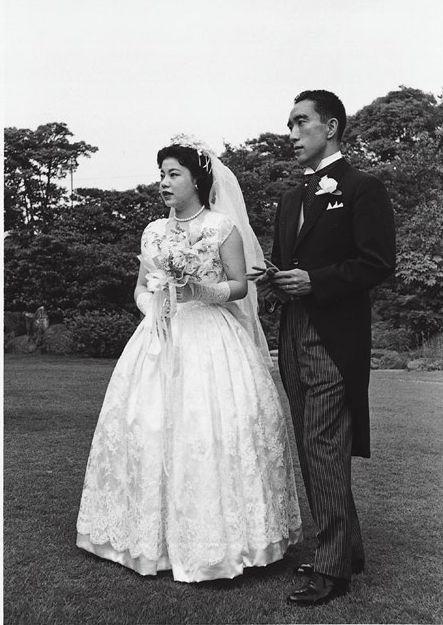 作家の三島由紀夫と日本画家・杉山寧氏の長女瑤子氏の結婚式が行われたのは昭和33年。明治記念館だった。