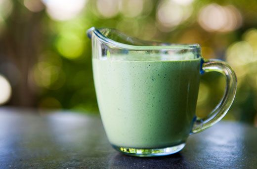 Green Godess Dressing- A classic salad dressing made with parsley, tarragon, chives and sour cream for a tangy finish.