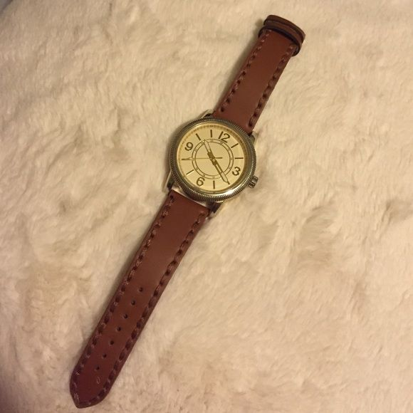Aldo Unisex watch Aldo unisex brown watch. Stainless steel casing, genuine leather. (Small defect at the end of watch not noticeable) refer to last pic. Thanks ❤️ ALDO Accessories Watches