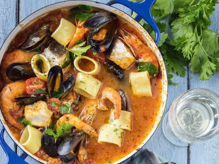encornet, langoustine, gambas, moules, palourde, baudroie, oignon, carotte, poireau, échalote, ail, amande, pulpe de tomate, vin blanc