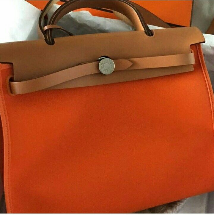 Model: Hermes Herbag 31 Condition: Like new. Tried once. Stamp: R Color: Orange Hardware: Palladium Comes with: Full set w copy receipt Cash purchase promo: S$3000 ⠀⠀⠀⠀⠀⠀⠀⠀⠀ SMS/Whatsapp: (65) 9.8.3.4.4.2.2.9 Email: sales at BJLuxury dot com Website: http : // BJLuxury dot com ⠀⠀⠀⠀⠀⠀⠀⠀⠀ ✅Credit card & Installments Available  ✅100% Authentic or Money Back ✅Pte Ltd Company Since 2007 Not affiliated with brands we sell. All trademarks remain sole property of the brands.