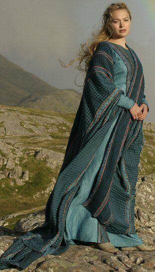 Sophia Myles in Tristan & Isolde.