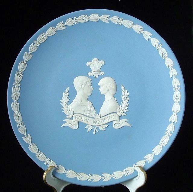 Королевская свадебная тарелка Чарьлза и Дианы из яшмовой массы, Wedgwood
