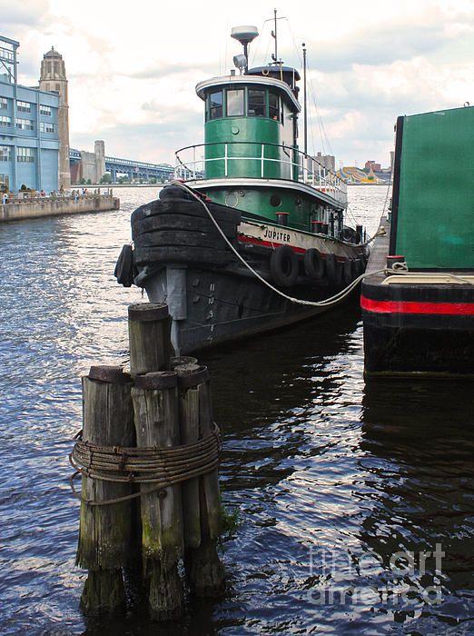 Philadelphia Tug Boat - Penns Landing Photograph