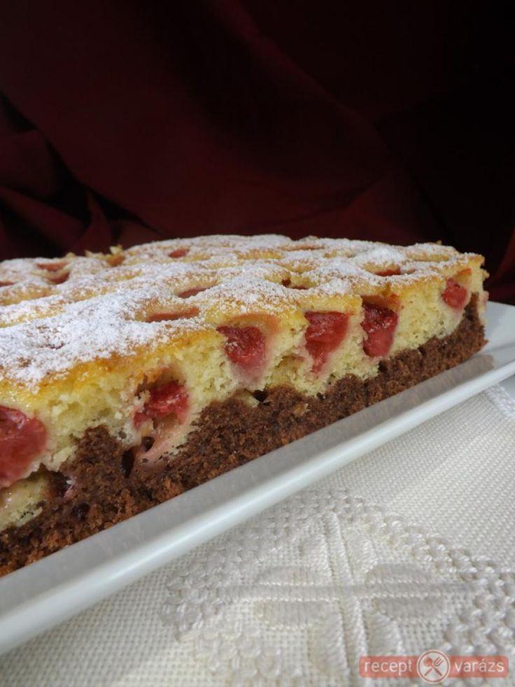 Hamar elkészíthető, finom, puha és hamar elfogy :-) Természetesen más gyümölccsel is kipróbálható. Kétszínű epreske - epres sütemény recept Készítsd el akár 2, vagy 12 főre, a Receptvarazs.hu ebben is segít!