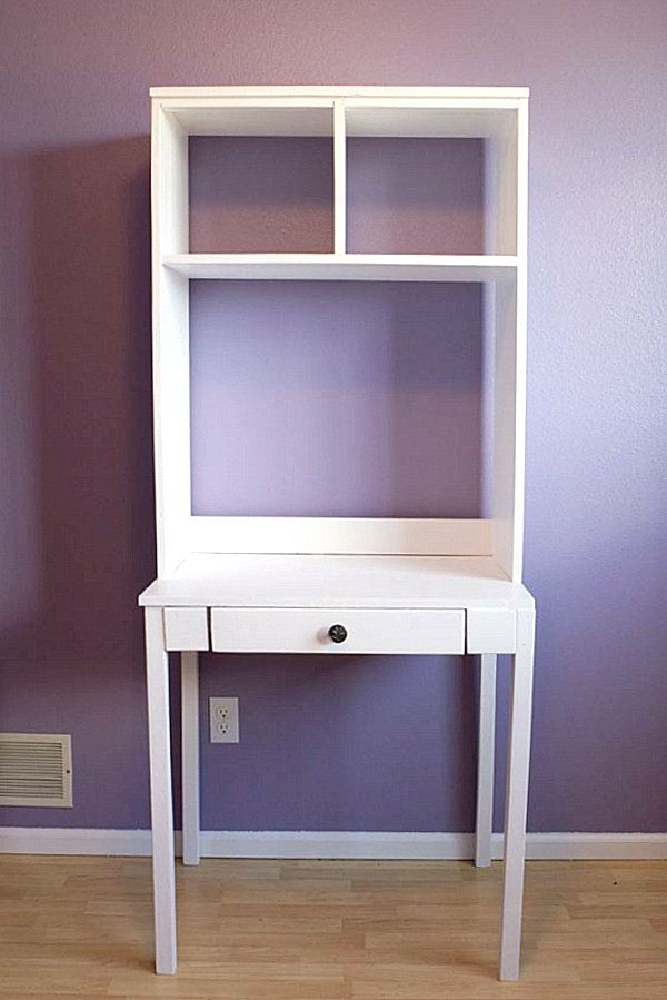 Just discovered Ana White and she's everywhere.  Note the extra layer of wood on top for finish.   The background color and white trim of the room are a big part of the formula.  18 DIY Desks to Enhance Your Home Office