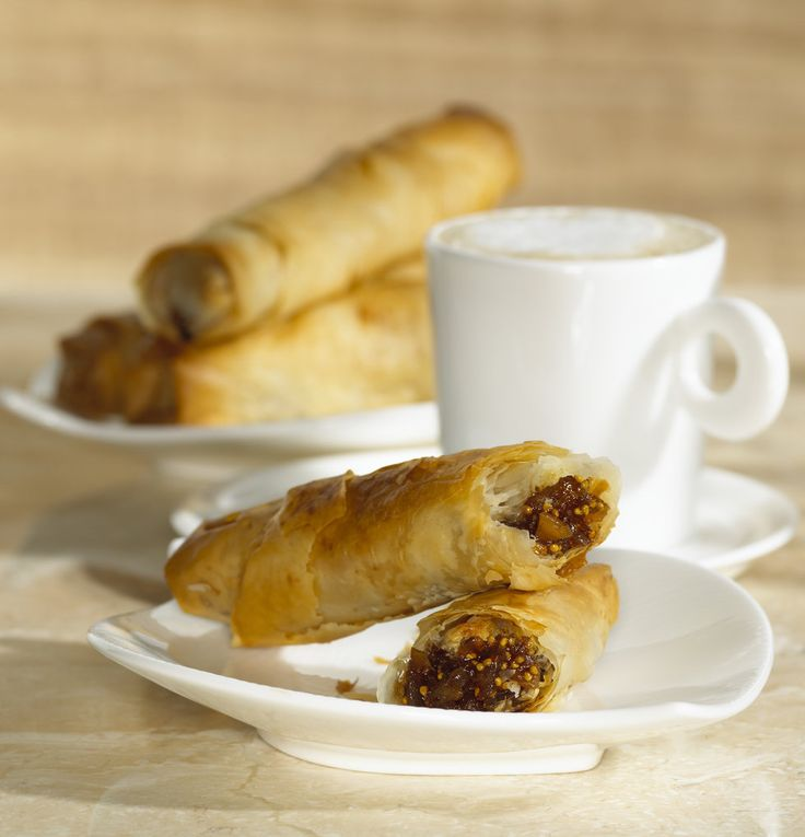 Recipe for Crispy Fig and Almond Rolls