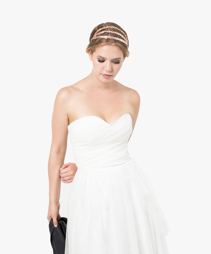 Arya Crown - www.asoneweds.com #weddinghair #rosegold #rosegoldcrown #weddingaccessories