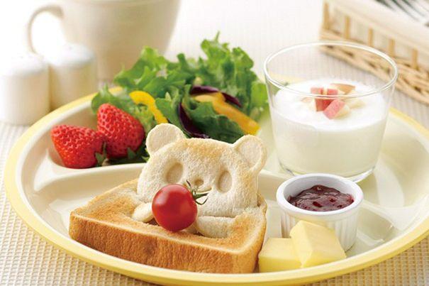 japanese-teddy-bear-toast-stamp-1 // http://www.boredpanda.com/japanese-teddy-bear-toast-stamp/