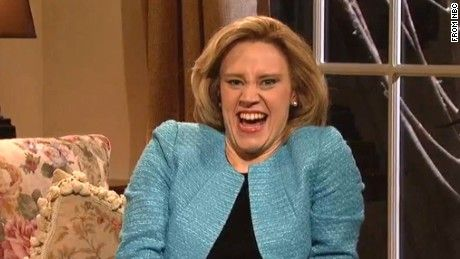 """SNL"" cast member Kate McKinnon got rave reviews for her impression of former Secretary of State Hillary Clinton on the email controversy."