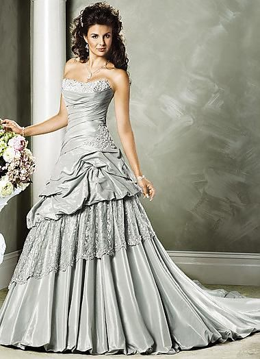 1000  ideas about Silver Wedding Gowns on Pinterest  Bling ...