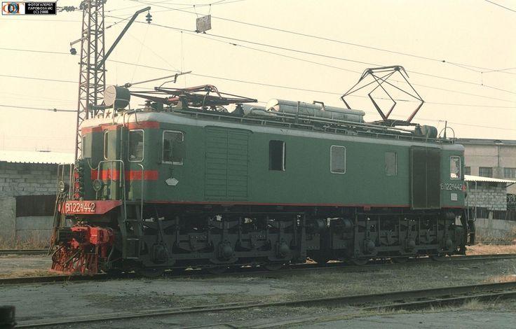 Электровоз ВЛ22М-1442, депо Пермь-II, Россия