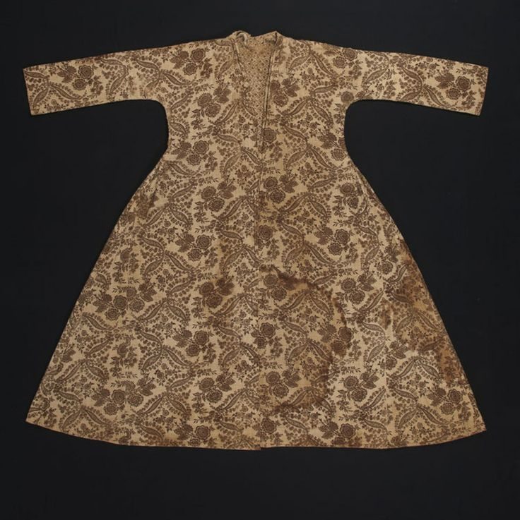 Dressing gown or robe, England or France, 1720-1750, cotton. Winterthur Museum.