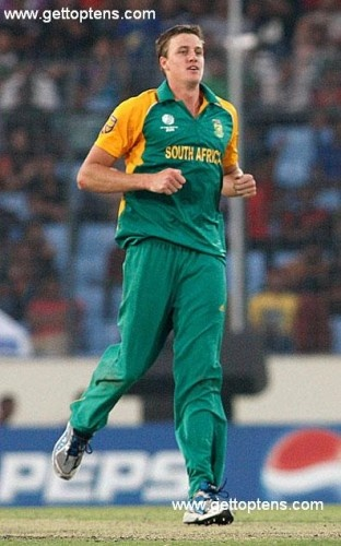 Top 10 Tallest Cricket Players, 9. Morne Morkel (South Africa)  6′ 5″