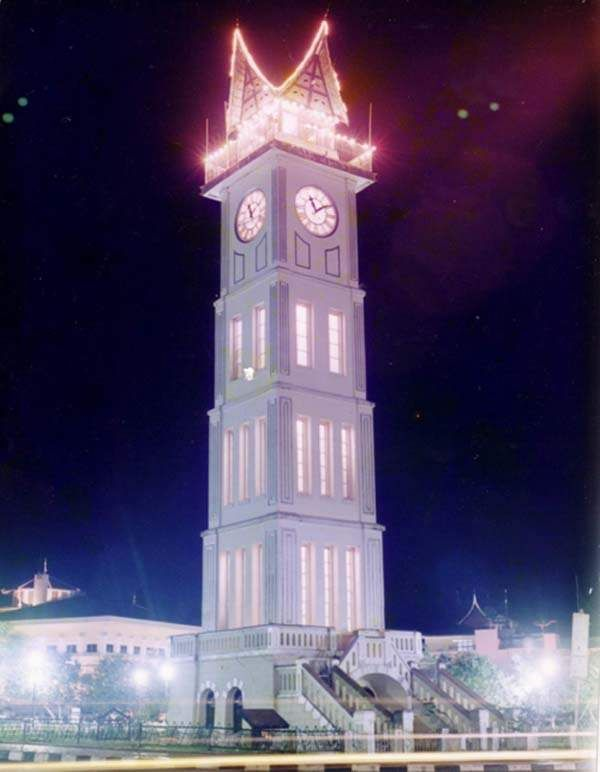 Jam Gadang Bukittinggi - Punya Indonesia