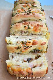 odrywany chlebek z kiełbaską, mozzarellą i pieczarkami, chlebek do odrywania, odrywany chleb, wytrawny chleb, chleb z pieczarkami