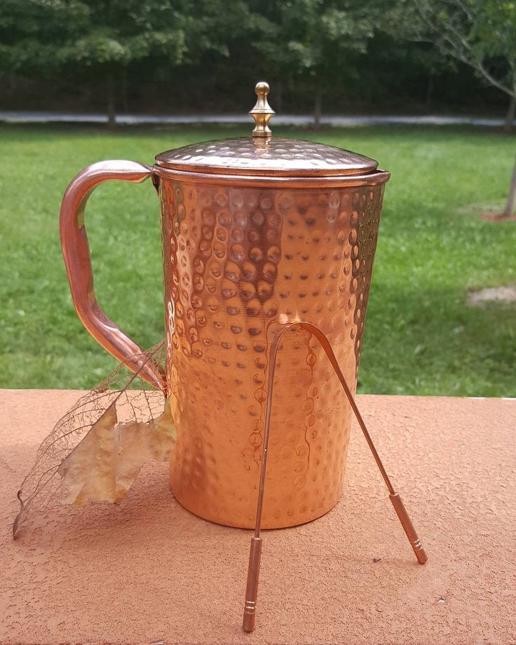 Do you ever ask yourself why is diseased more present today then in the ancient past? Everything in today's Society is more artificial or synthetic! When you observe antiquity there wasn't drug stores on every corner nor overwhelming rates of cancer patients.    Thus im excited to receive my new copper pitcher & tongue scrapper! And Here's why! ⬇⬇⬇⬇ Water stored in a copper pitcher positively charges the water maximizing the health benefits!