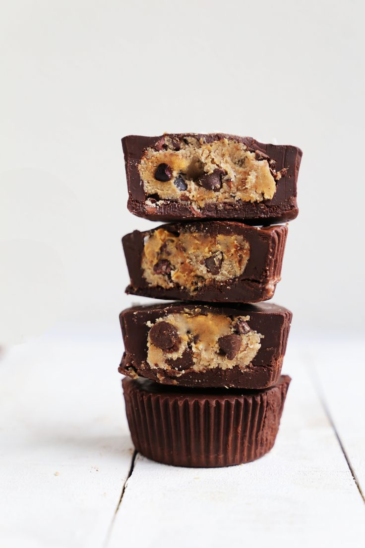 Vegan Chocolate Chip Cookie Dough Cups: