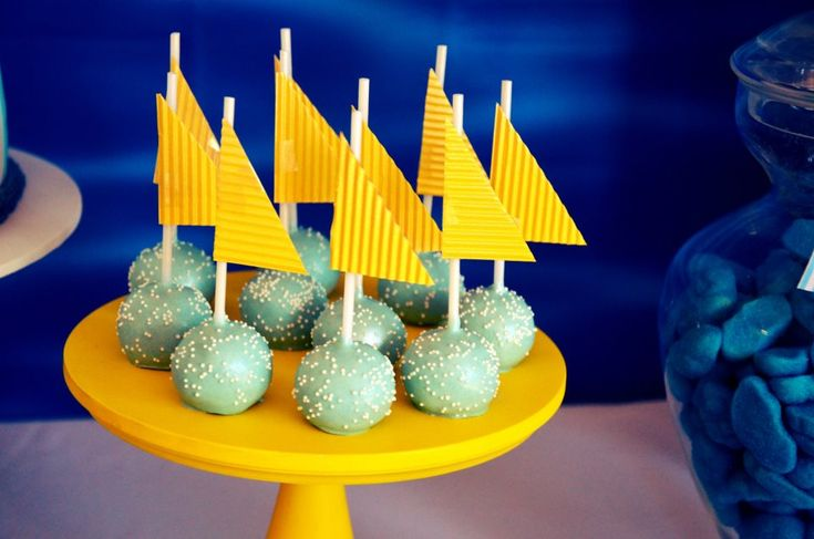 nautical themed cake pops, blue yellow cake pops, lolly buffet