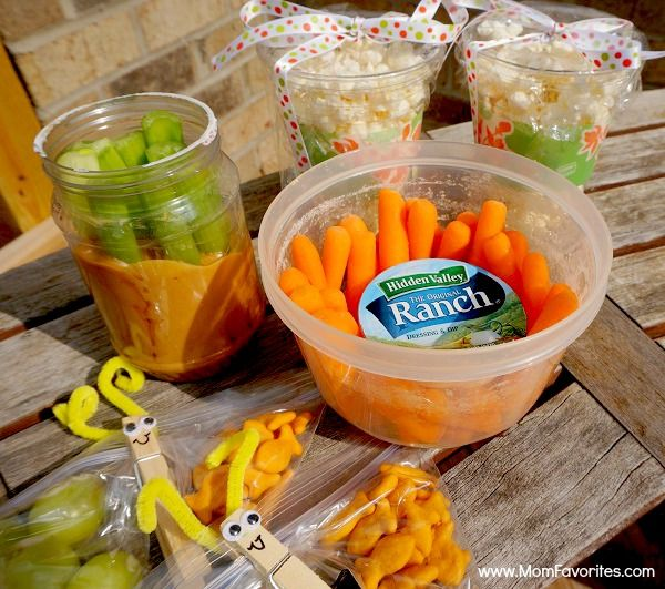 Road Trip Snacks For Happy Travelers:  I think the butterfly clip snack bags will be done in our classroom early this new school year!  Also, I love the Solo cup snacks..a great thing to take on our first trip to the Pumpkin farm!