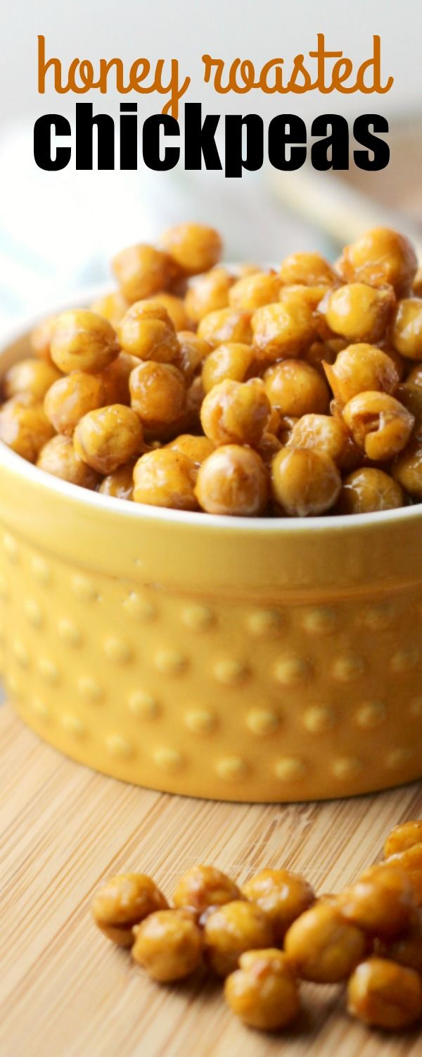 HONEY ROASTED CHICKPEAS are a quick and easy snack choice for kids and adults alike! Salty, sweet, crunchy, and totally addictive! via @realhousemoms