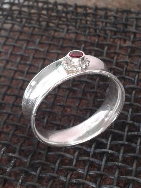 Silverring with stone